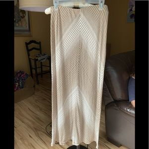 Maxi skirt by Max Studio, beige and white